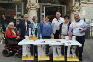 Recogida de firmas en Valencia