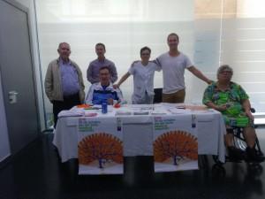 Recogida de firmas en Castellón